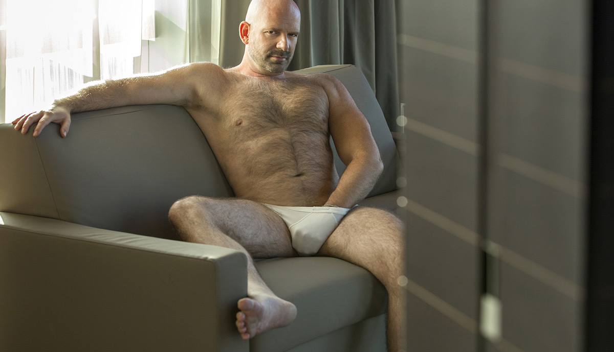 Endowed masseur Barcelona